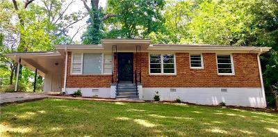 Dekalb County Single Family Home For Sale: 2392 Elldale Avenue