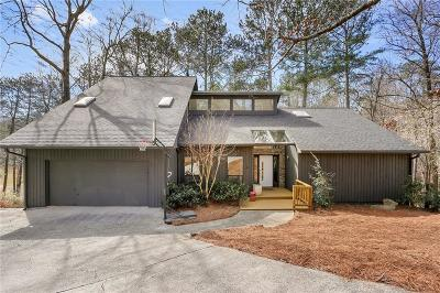 Roswell Single Family Home For Sale: 4226 Burns Heritage Trail NE