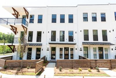 Woodstock Condo/Townhouse For Sale: 302 Liberty Way #39