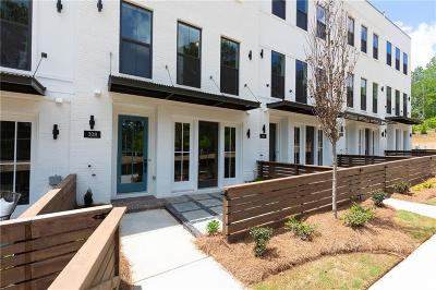 Woodstock Condo/Townhouse For Sale: 308 Liberty Way #42