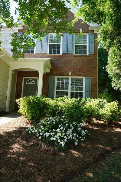 Roswell Condo/Townhouse For Sale: 2602 Timbercreek Circle
