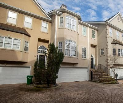 Brookhaven Condo/Townhouse For Sale: 2464 Brookhaven Heights Court NE