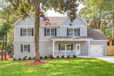 Single Family Home For Sale: 668 Burbank Drive SE
