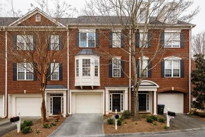 Roswell Condo/Townhouse For Sale: 2104 Waters Edge Trail #-
