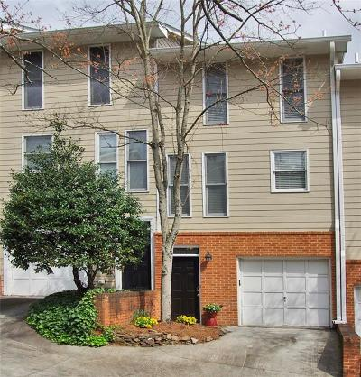 Condo/Townhouse For Sale: 665 Park Village Drive NE #665