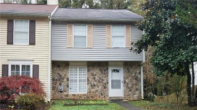 Kennesaw GA Condo/Townhouse For Sale: $175,000
