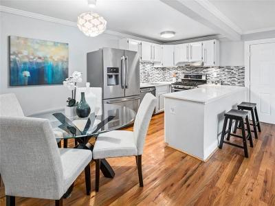 Condo/Townhouse For Sale: 870 Glendale Terrace NE #11