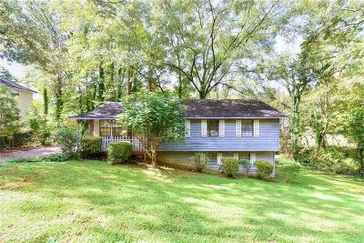 Smyrna Single Family Home For Sale: 2634 Linnwood Drive SE