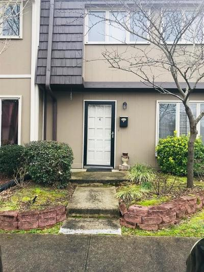 Marietta Condo/Townhouse For Sale: 1814 Ashborough Circle #F