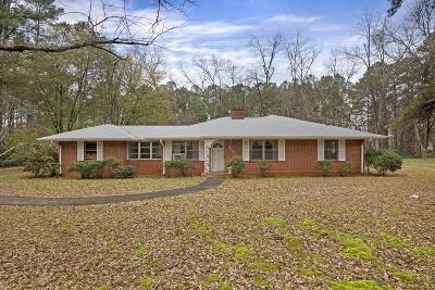 Marietta Single Family Home For Sale: 250 Midway Road NW