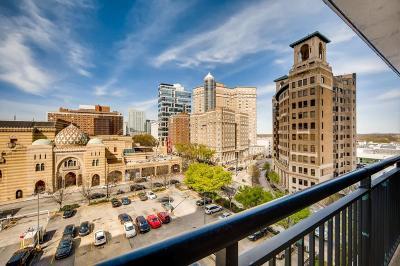 Atlanta Condo/Townhouse For Sale: 620 Peachtree Street NE #802