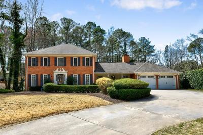 Roswell Single Family Home For Sale: 2830 Roxburgh Drive