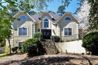 Roswell Single Family Home For Sale: 500 River Bluff Parkway