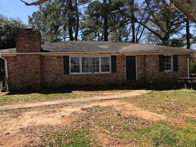 Marietta Single Family Home For Sale: 830 Brackett Road