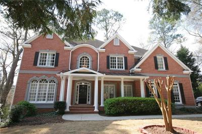 Sandy Springs Single Family Home For Sale: 715 Windsor Parkway