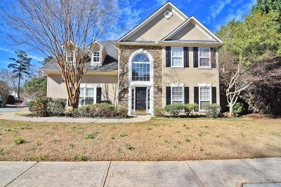 Roswell Single Family Home For Sale: 300 Bloomfield Court