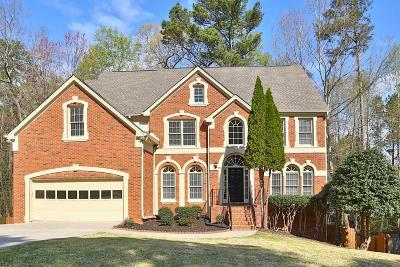 Johns Creek Single Family Home For Sale: 10945 Donamere Drive
