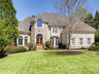 Roswell Single Family Home For Sale: 395 Winn Park Court