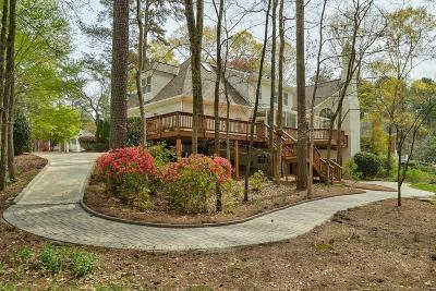 Alpharetta Single Family Home For Sale: 715 Sturges Way