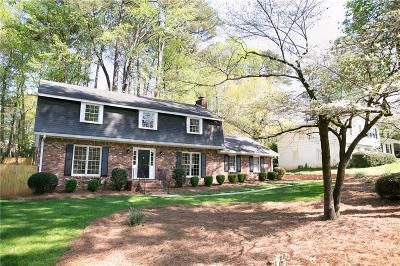 Roswell Single Family Home For Sale: 9825 La View Circle