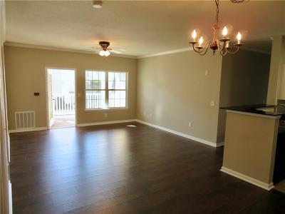 Gainesville Condo/Townhouse For Sale: 2827 Shades Valley Lane