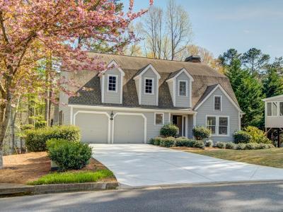 Alpharetta Single Family Home For Sale: 1595 Spinnaker Drive