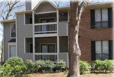 Roswell Condo/Townhouse For Sale: 303 Warm Springs Circle