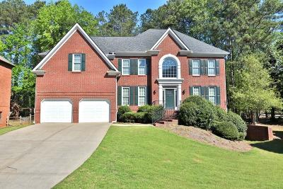 Alpharetta Single Family Home For Sale: 2005 Walnut Creek