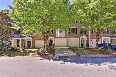 Roswell Condo/Townhouse For Sale: 2305 Waters Edge Trail