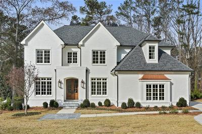 Sandy Springs Single Family Home For Sale: 555 Carriage Drive