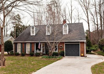 Roswell Single Family Home For Sale: 402 Roswell Green Lane