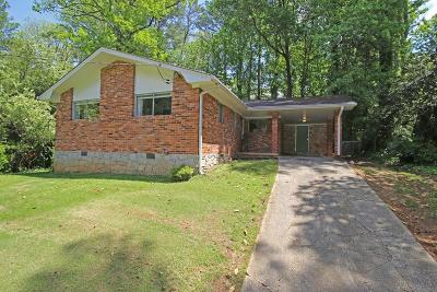 Atlanta Single Family Home For Sale: 2200 Capehart Circle NE