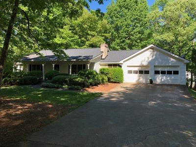 Buford Single Family Home For Sale: 4880 Spout Springs Road