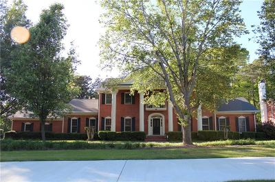 Marietta Single Family Home For Sale: 4039 Cloister Drive