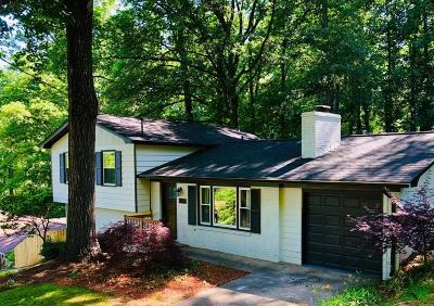 Smyrna Single Family Home For Sale: 3403 Creek Valley Drive SE