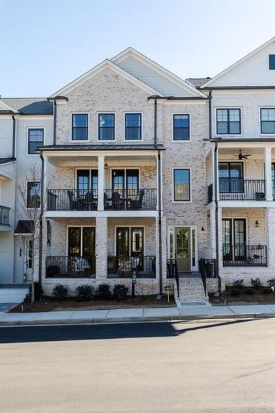 Roswell Condo/Townhouse For Sale: 107 Harlow Circle #212