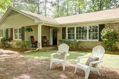 Sandy Springs Single Family Home For Sale: 450 Amberidge Trail