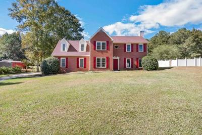 Fayetteville Single Family Home For Auction: 130 Fairfield Circle