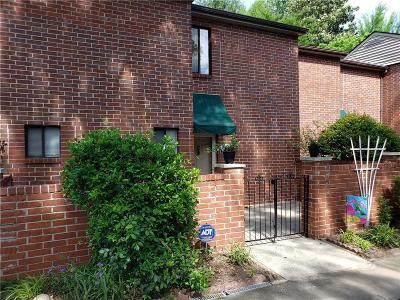 Dunwoody Condo/Townhouse For Sale: 2286 Pernoshal Court