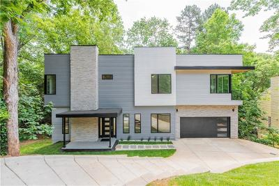 Johns Creek Single Family Home For Sale: 8450 Colony Club Drive