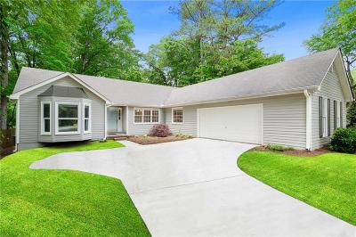 Roswell Single Family Home For Sale: 4225 Mabry Road NE