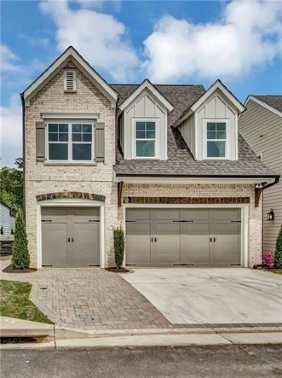 Cumming Single Family Home For Sale: 2585 Creekstone Village Drive