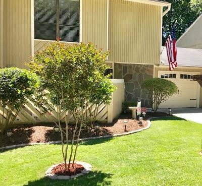 Brookhaven Condo/Townhouse For Sale: 2304 Colonial Drive NE