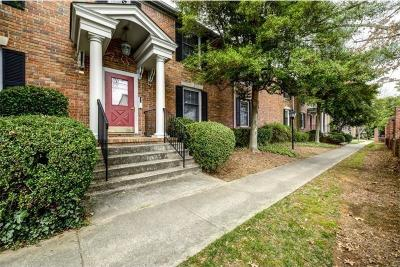 Sandy Springs Condo/Townhouse For Sale: 6700 Roswell Road #32B