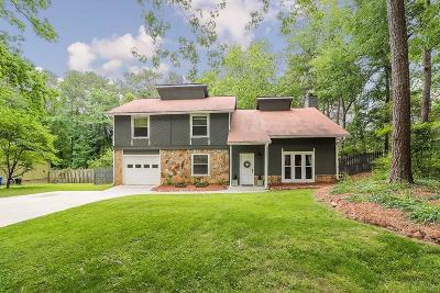 Alpharetta Single Family Home For Sale: 155 Jay Drive