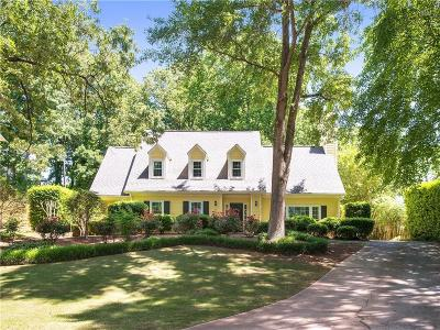 Marietta Single Family Home For Sale: 805 Bedford Oaks Drive