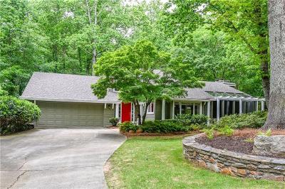 Sandy Springs Single Family Home For Sale: 75 Glen Oaks Drive