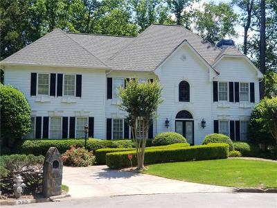Sandy Springs Single Family Home For Sale: 585 Vinington Court
