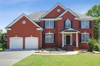 Alpharetta Single Family Home For Sale: 650 Lakehill Way