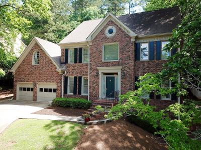 Roswell Single Family Home For Sale: 165 River Landing Drive